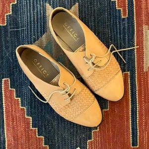 Woman's Oxford shoe leather size 41